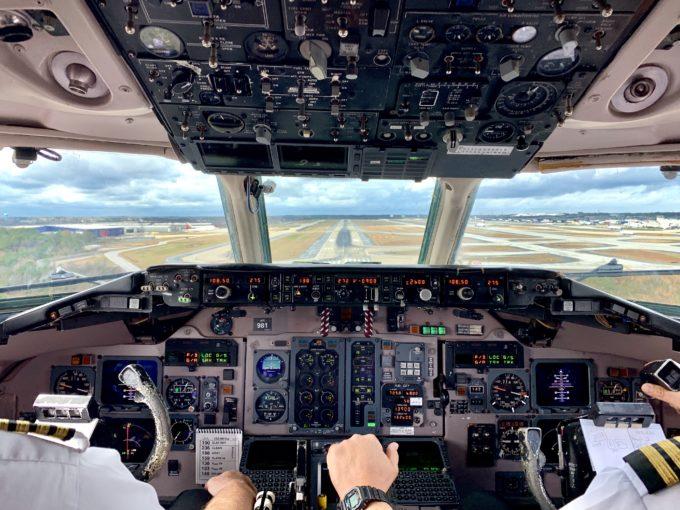 קורס טיס אזרחי בארה״ב – חלק ב׳: איך להתקבל לחברת תעופה ב-236 שניות
